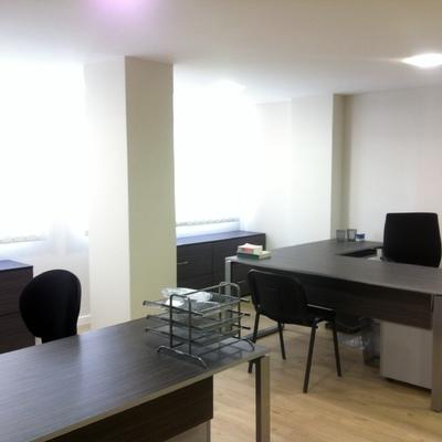 Reforma de dos locales para despacho