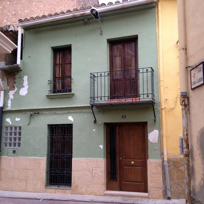 Restauracion de fachada casa pueblo