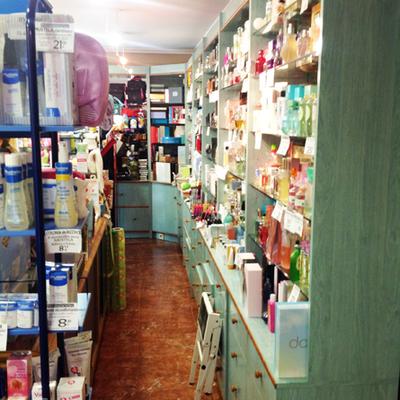 Reforma de local comercial, Droguería García en Villarcayo. Burgos