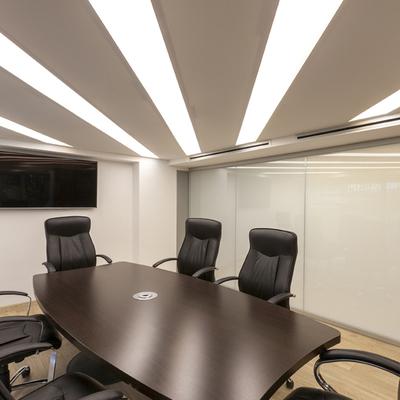 Reforma de oficinas - Telas tensadas - Iluminación personalizada