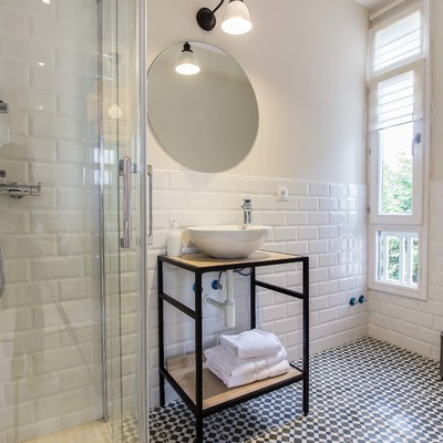 reforma e interiorismo alojamiento rural baño