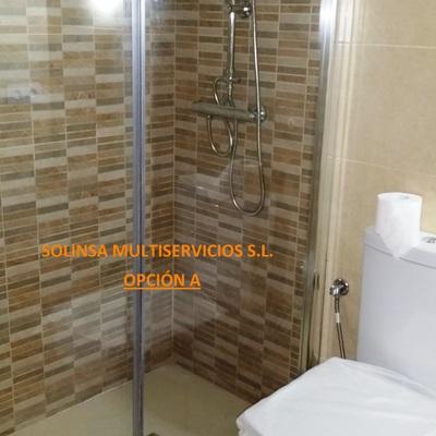Reforma integral de dos cuartos de baños en la Plaza de la Malagueta (SEVILLA ESTE).