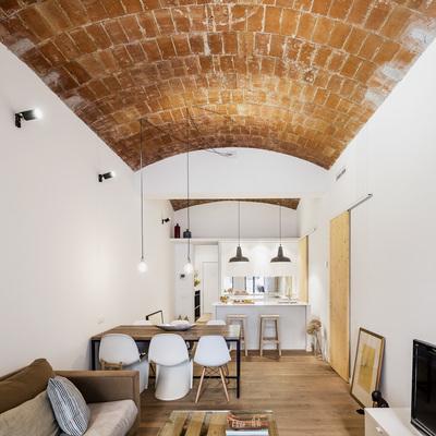 Reformaron su casa y se encontraron con una agradable sorpresa: una bóveda con mucha historia