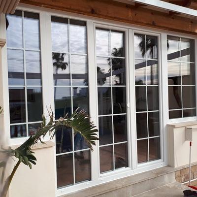 4 fijos y 1 puerta de 2 hojas en PvC blanco