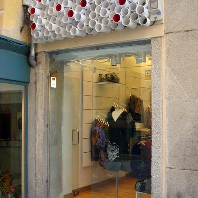 Reforma Tienda Regaliz. Segovia. 2011 Proyecto y dirección obra.