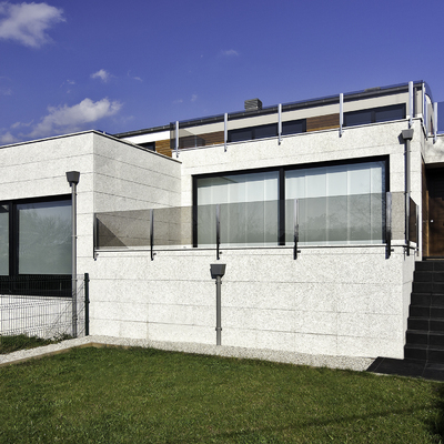Reforma y ampliación de vivienda unifamiliar para dos viviendas adosadas
