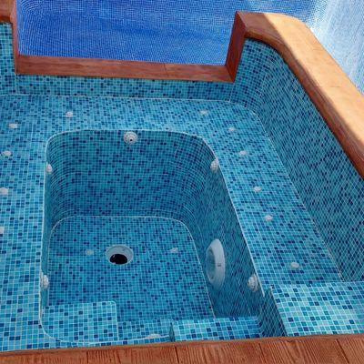 Reforma jacuzzi y corona piscina
