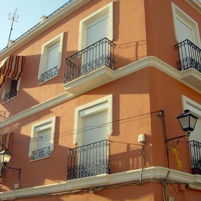 Rehabilitación fachada calle Trafalgar (Alicante)