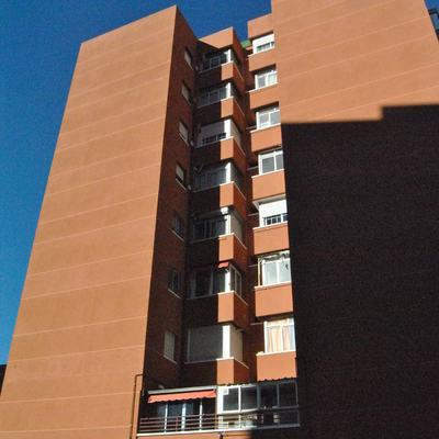 Rehabilitación de fachada y cubierta en comunidad de propietarios en  Fuenlabrada (Madrid)