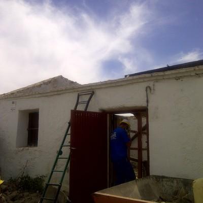 Rehabilitación de antiguo edificio municipal para punto de información turística en Chapinería