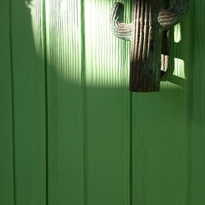 Restauración puerta con efecto rústico