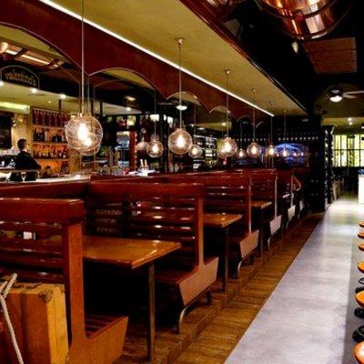 Reforma completa de Cerveceria Valentinos en Barcelona