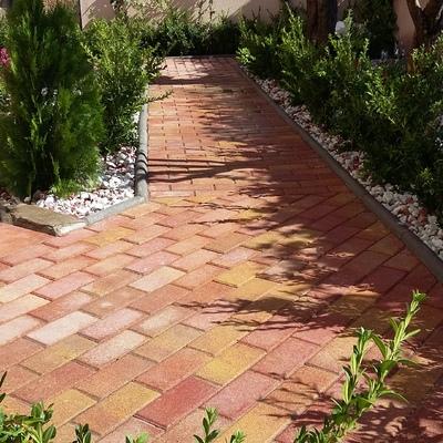 Renovación de un jardín triangular