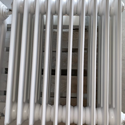 Lacado radiadores en blanco.(Nájera, La Rioja)