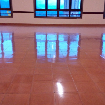 Reparación suelo pavimento  de 310m2