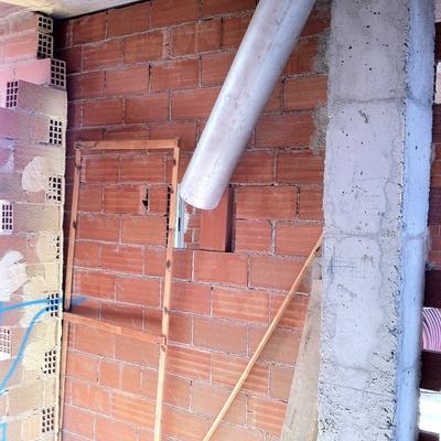 Revestimiento Chimenea Villa-real. Foto Vista Trasera
