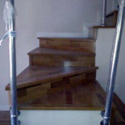 Revestir los pelda os de la escalera ideas y precios for Como cubrir una escalera