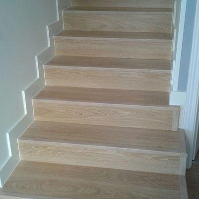 Ideas de tarima flotante ac4 para inspirarte habitissimo - Revestimiento para escaleras ...