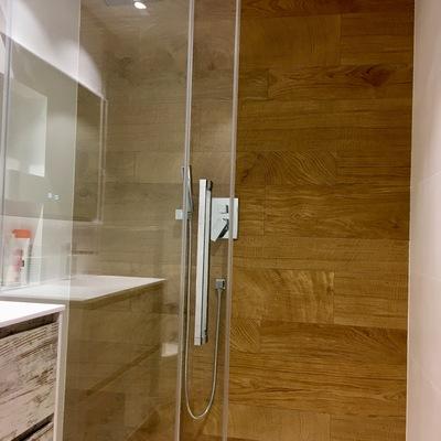 Presupuesto revestimiento exterior madera en barcelona for Revestimiento tipo madera