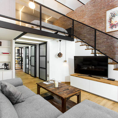 La espectacular transformación de un piso antiguo en un loft