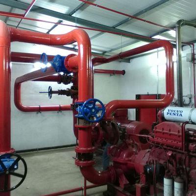 Sistema de abastecimiento de agua, protección contra incendios, depósito contra incendios y sala de bombas