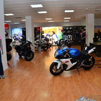 Acondicionamiento de local destinado a la venta y reparación motocicletas