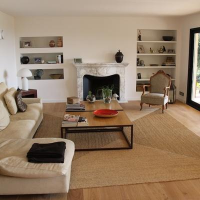 Casa FP: una villa luminosa con espacios fluidos