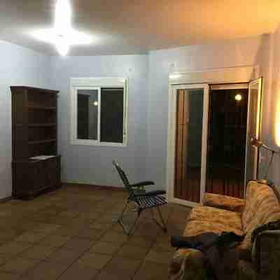 Albañilería, pintura y servicios de montaje