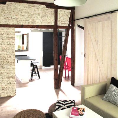 Un mini ático convertido en una vivienda acogedora