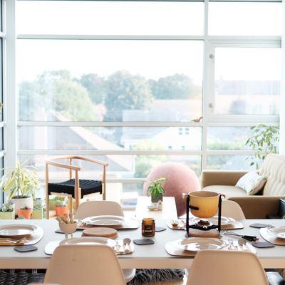 Cómo iluminar cada estancia de tu casa (sin que se te fundan los plomos)