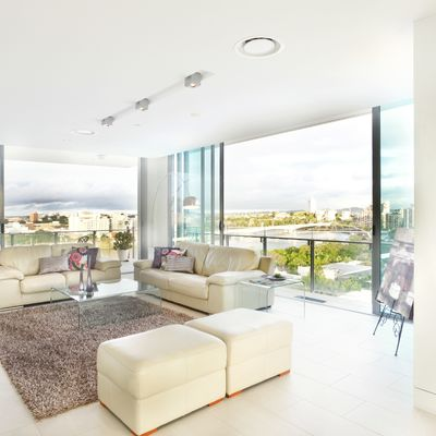 Ideas para reformar con éxito tu casa usando cristal