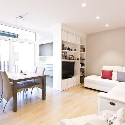 Ainara & Pep's: un apartamento luminoso y de tonos claros