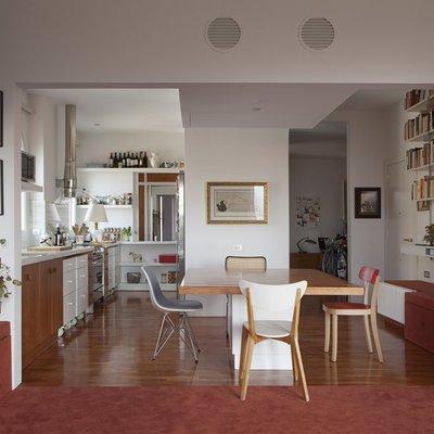 Una casa forrada de color