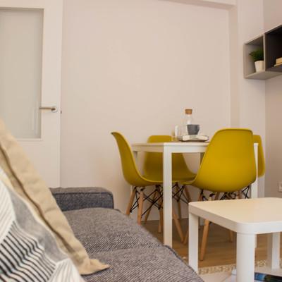 Salón comedor compacto y flexible