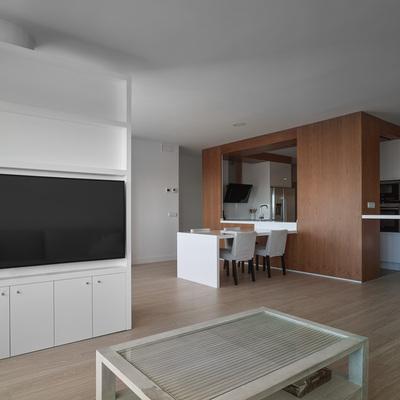 Una casa con una cocina como pieza central