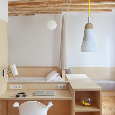 Una casa de entretiempo: fresca y acogedora