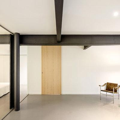 salón con estructura metálica