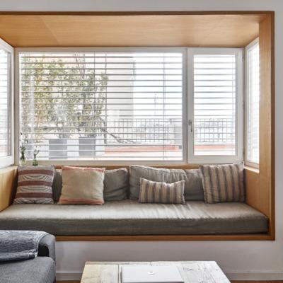 Salón con ventana nicho