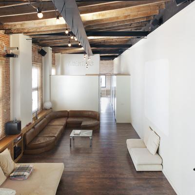 El espacio entre armarios: Reforma de un loft a medida