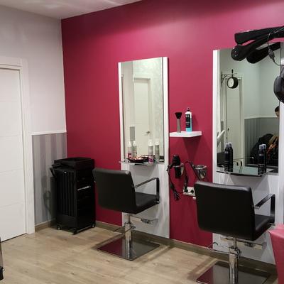 """Adecuación de un local para peluquería """"Tabarez Estilistas"""" en Salamanca"""