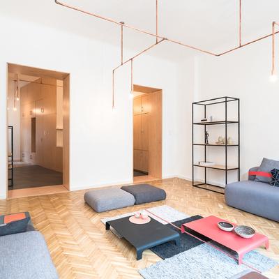 salón diáfano con luz natural