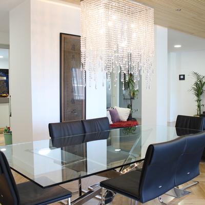 Salon,techo de madera y mueble de salon, mobiliario