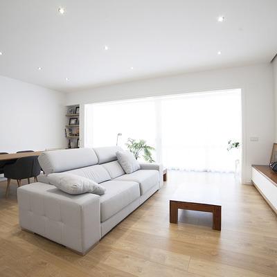 Un piso antiguo reformado para una pareja joven