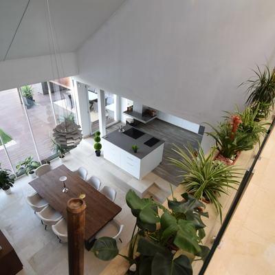 Salón y cocina. Vista desde primera planta.