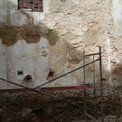 rehabilitacion de corral casa vieja de pueblo