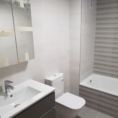 Reforma Integral de baño con bañera en Torremolinos