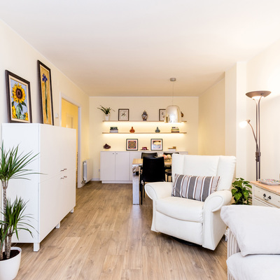 La reforma Feng Shui de un piso Clásico-Chic familiar