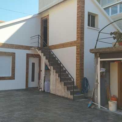 Casa aldan suelo y fachada de sate e impreso vertical