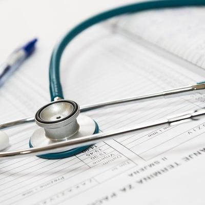 Razones por las que contratar un seguro de salud