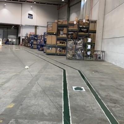 Señalizacion en suelo en fabrica